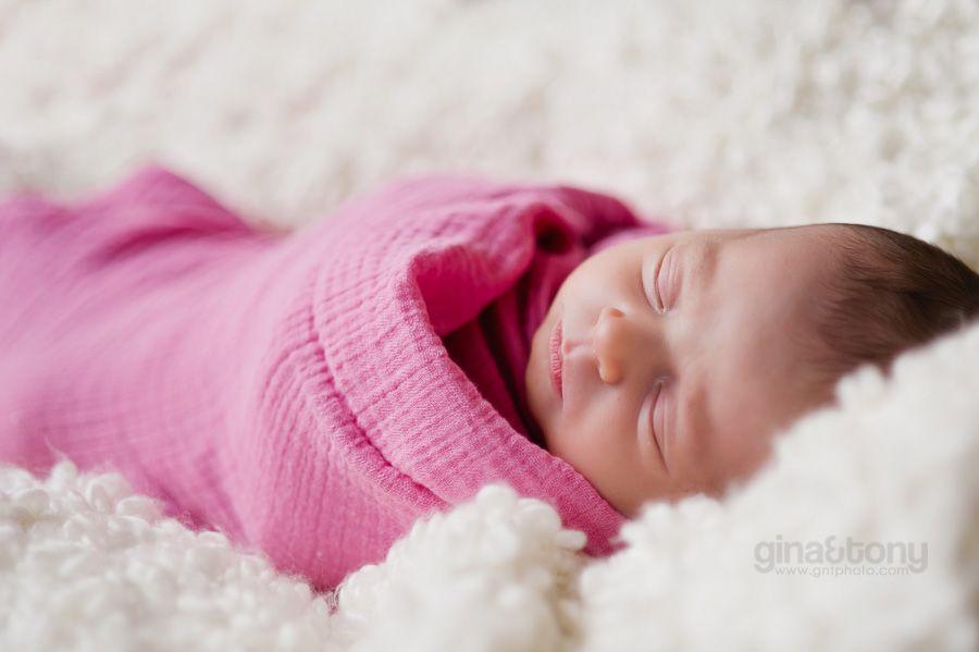 at home newborn session // © gntphoto.com