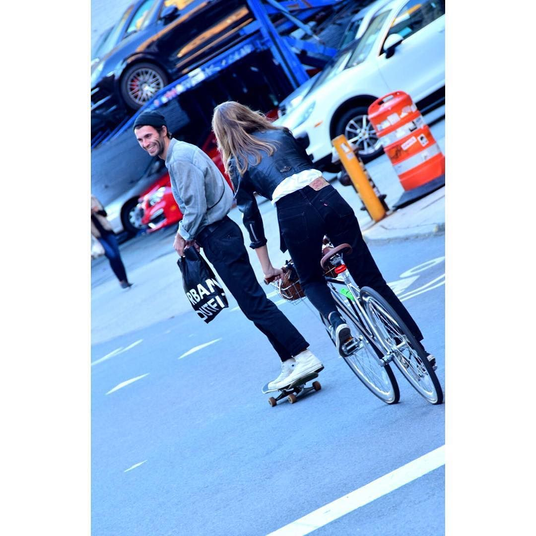 Via @_han_k_: . #NY #NYC #NewYork #Manhattan #Soho #Fashion #fashionista # #Style #StreetFashion #StreetStyle #Snap #bicycle #Nikon #F4F #뉴욕 #뉴욕패션 #뉴욕생활 #뉴욕커 #스트릿패션 #패션 #패셔니스타 #소호 #스타일 #자전거 #스넵 #맞팔 #소통 #니콘