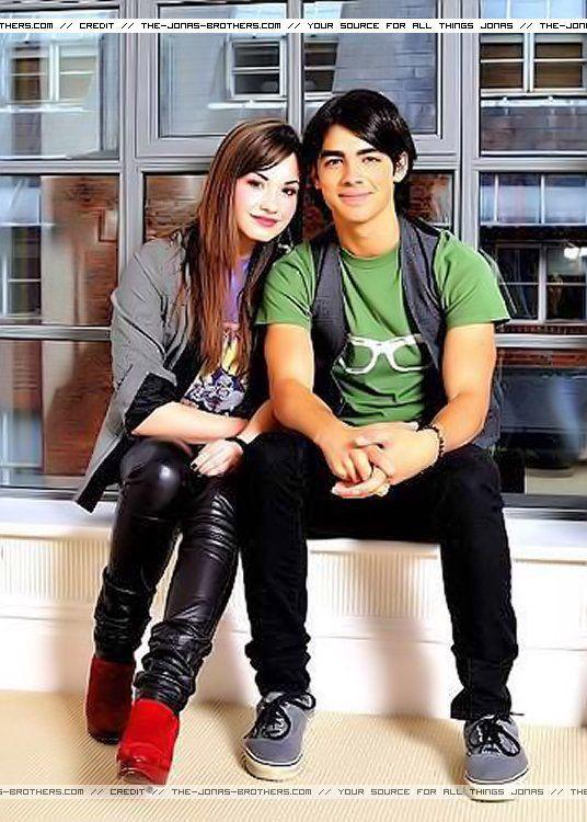 Joe Jonas And Demi Lovato Camp Rock Demi Lovato Camp Rock Demi And Joe