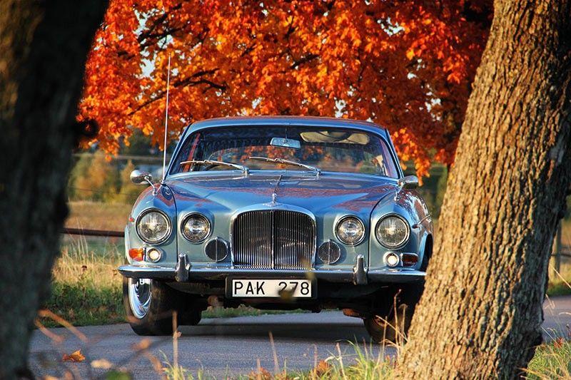 en 1961 jaguar cr e une nouvelle fois la surprise en rempla ant quelques mois plus tard la. Black Bedroom Furniture Sets. Home Design Ideas