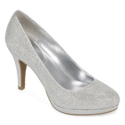 Shoes. | Metallic pumps