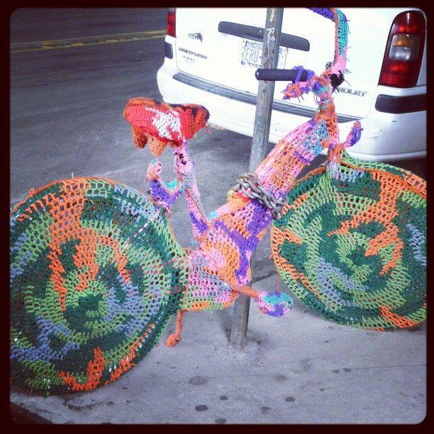 Étrange vélo, dans les rues de Brooklyn, NYC. #VéloLove