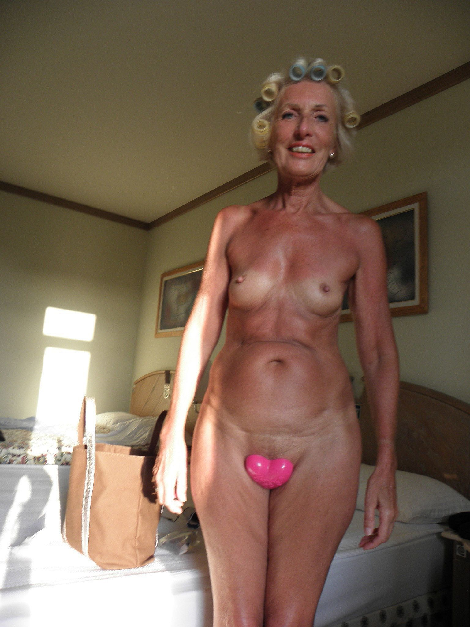 The perfect mature wife for a cuck 8