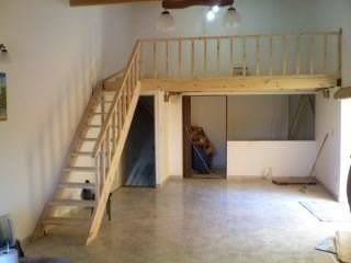 Entrepiso de madera escalera baranda altillo precio final for Como hacer una escalera para entrepiso