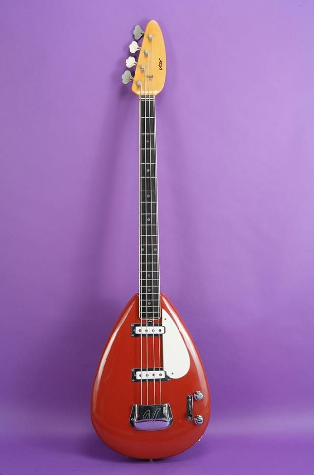 vox teardrop bass i need a vox bass love the thin neck for my small hands bass guitar. Black Bedroom Furniture Sets. Home Design Ideas