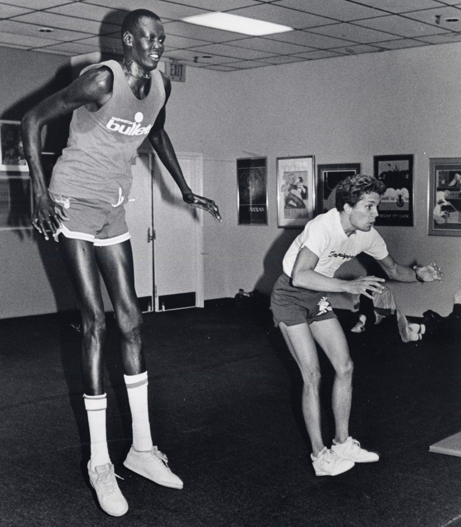 ddcc46cceb6 Warriors honor former Bullets center Manute Bol with 7-foot-7 bobblehead -  The Washington Post