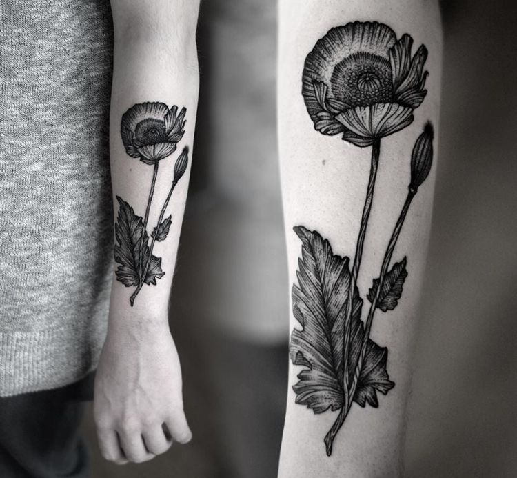 Unterarm Tattoo Frau Aussenseite Mohnblume Blatt Ausserer Unterarm Tattoo Mohnblumen Tattoo Botanisches Tattoo