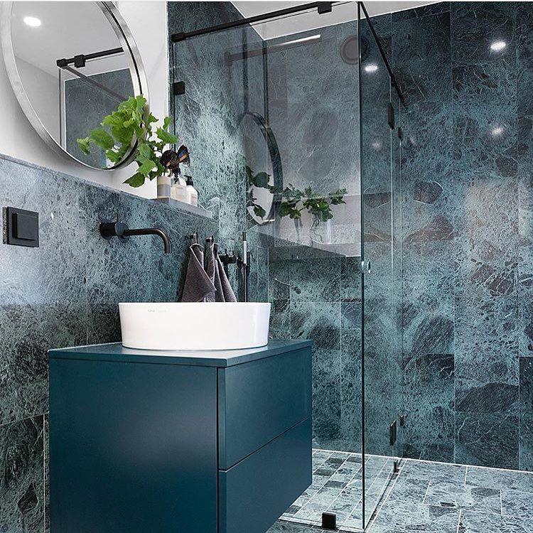 Petrol Blau Wandfarbe: Grüner #Marmor Im #Bad Wirkt Durch Seine #farben Und