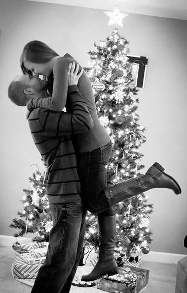 Christmas Tree Couples Picture In Black And White Christmastreepicture Christmas Tree Pictures Christmas Photoshoot Christmas Couple Pictures