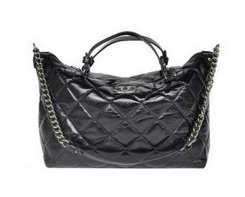 Chanel Sac à bandoulière en cuir noir brillant 68011, replique sac a main… 67692d7cc32