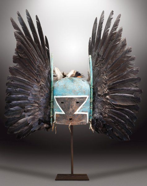 Die Masken sind den Hopi heilig. Sie stellen Geister dar und werden bei...
