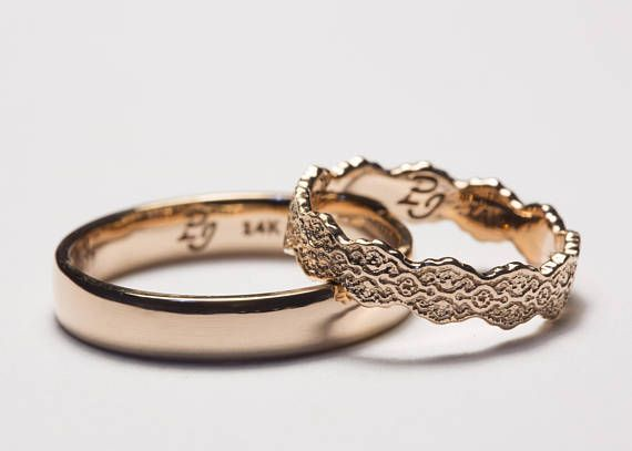 Rose Gold His and Hers Wedding Bands, Rose Gold Ring Set, Comfort Fit, Lace Ring, Set of Wedding Rings, Set of Wedding Bands, His and Hers   - Interessant/Interesting -