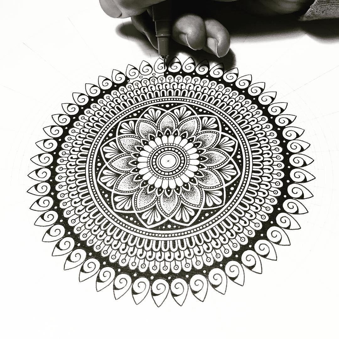Schwarzer Mandala Entwurf Handlungsfreiheit Mandala Gekritzel Zentangle Muster Mandala Doodle Mandala Design Pattern Mandala Design