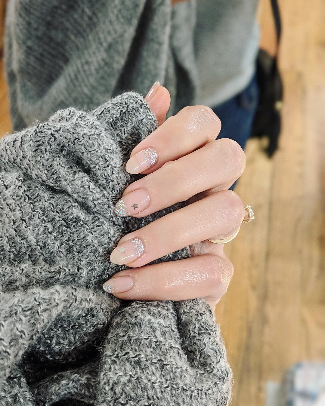 Proof the starprint manicure is still on the rise pink