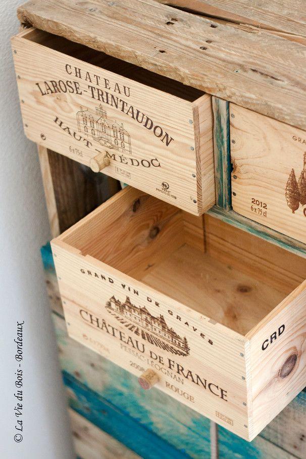 Tiroirs En Caisses De Vin Du Bar La Vie Du Bois Bordeaux Caisse A Vin Bois Idee Palette