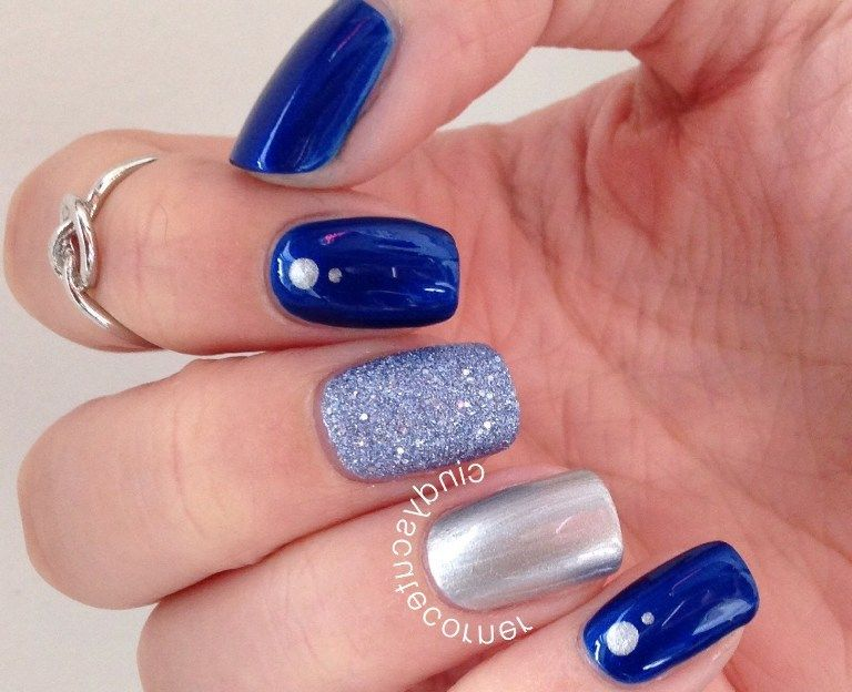 easy blue and silver nail design