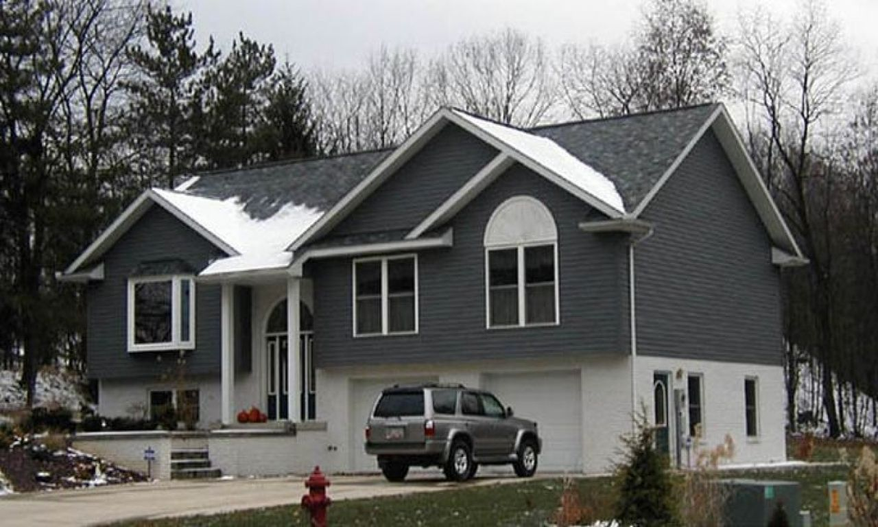 Raised Ranch Homes For Sale In Brockton Ma Houseplans Ranch Remodel Raised Ranch Remodel Bungalow Exterior