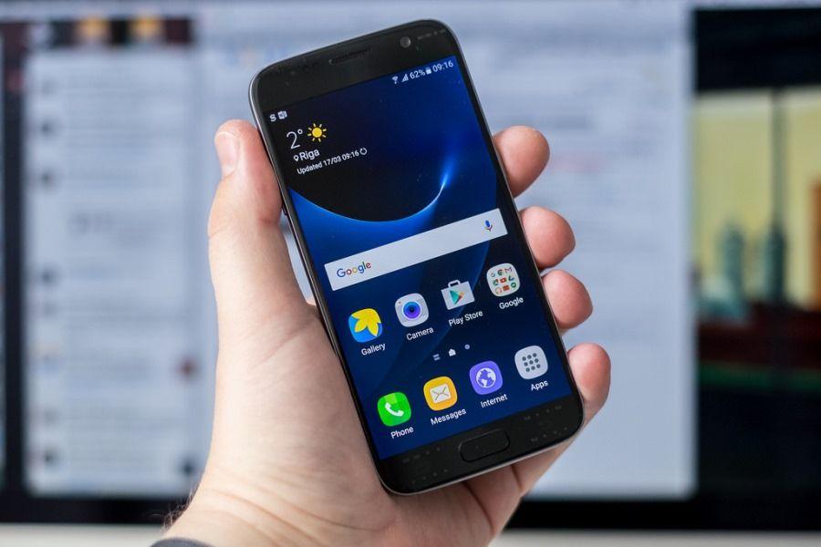 Samsung Galaxy S8 Rumors: potrebbe avere il display curvo in entrambe le versione - http://goo.gl/z1uCux - Tecnologia - Android
