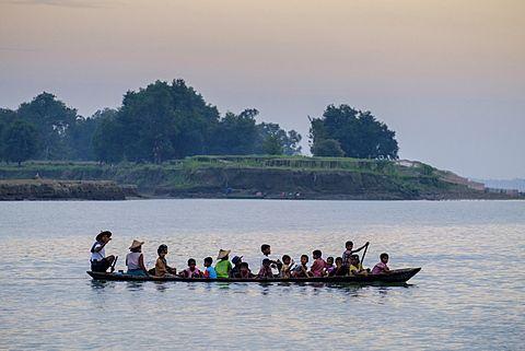 Local boat on the Lemro River, Mrauk U, Rakhaing state, Myanmar (Burma), Asia