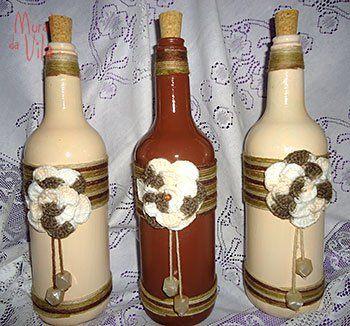 Crochê nos detalhes das garrafas