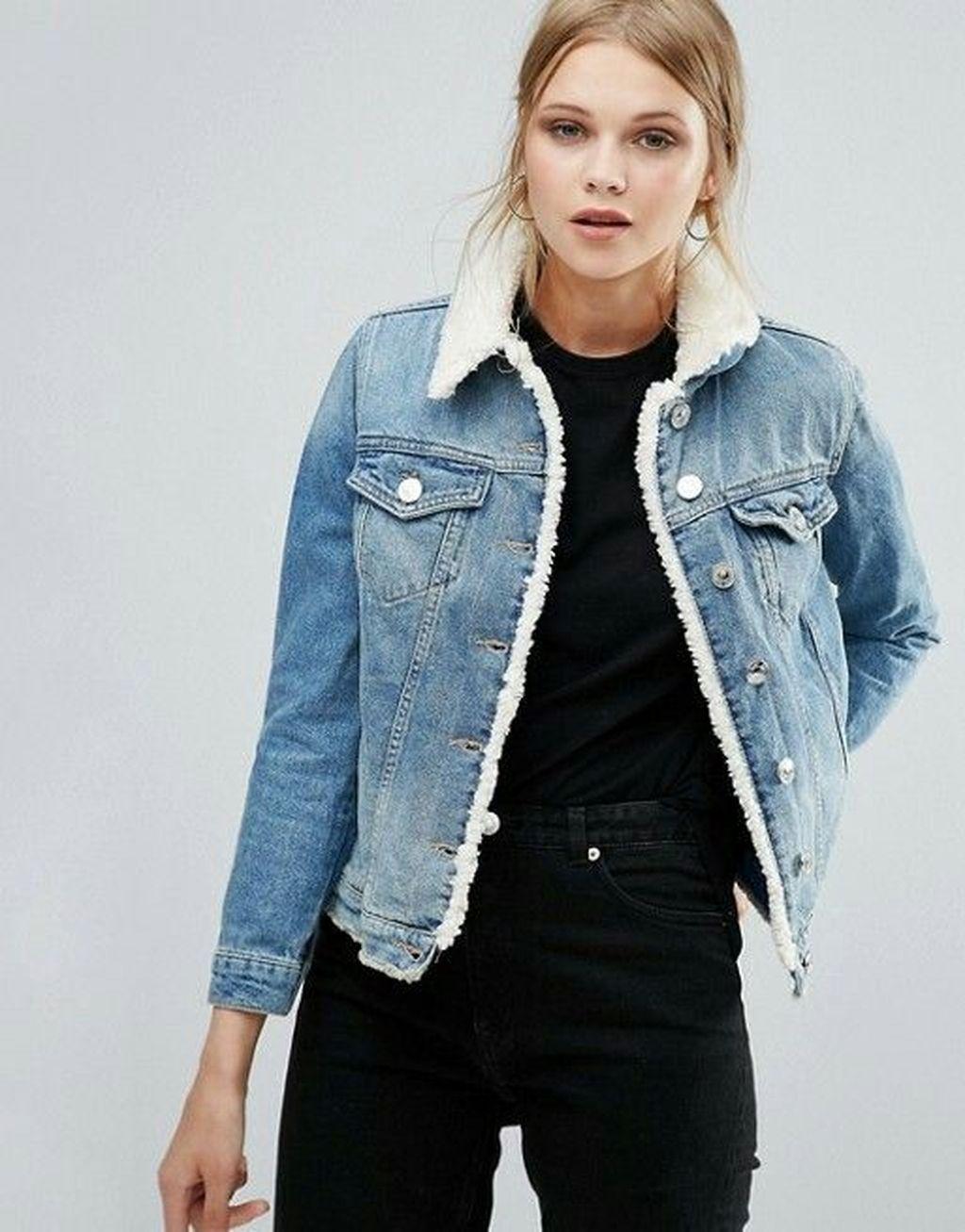 37 Delightful Winter Outfits Ideas Denim Jacket Addicfashion Denim Jacket Women Denim Women Denim Jacket With Fur [ 1307 x 1024 Pixel ]