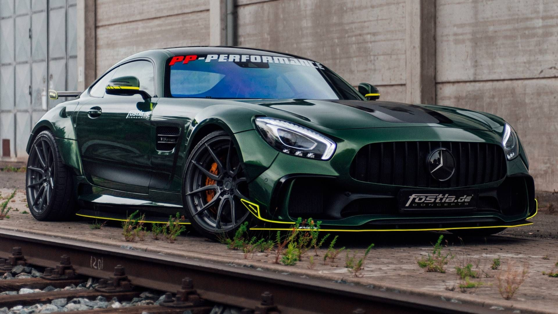 Mercedes Amg Gt Looks Mean And Green With 650 Horsepower Upgrade