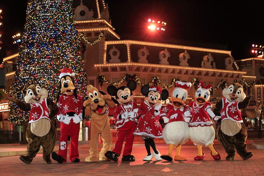 White Christmas Lights in Hong Kong Disneyland 2016 #honogkong ...