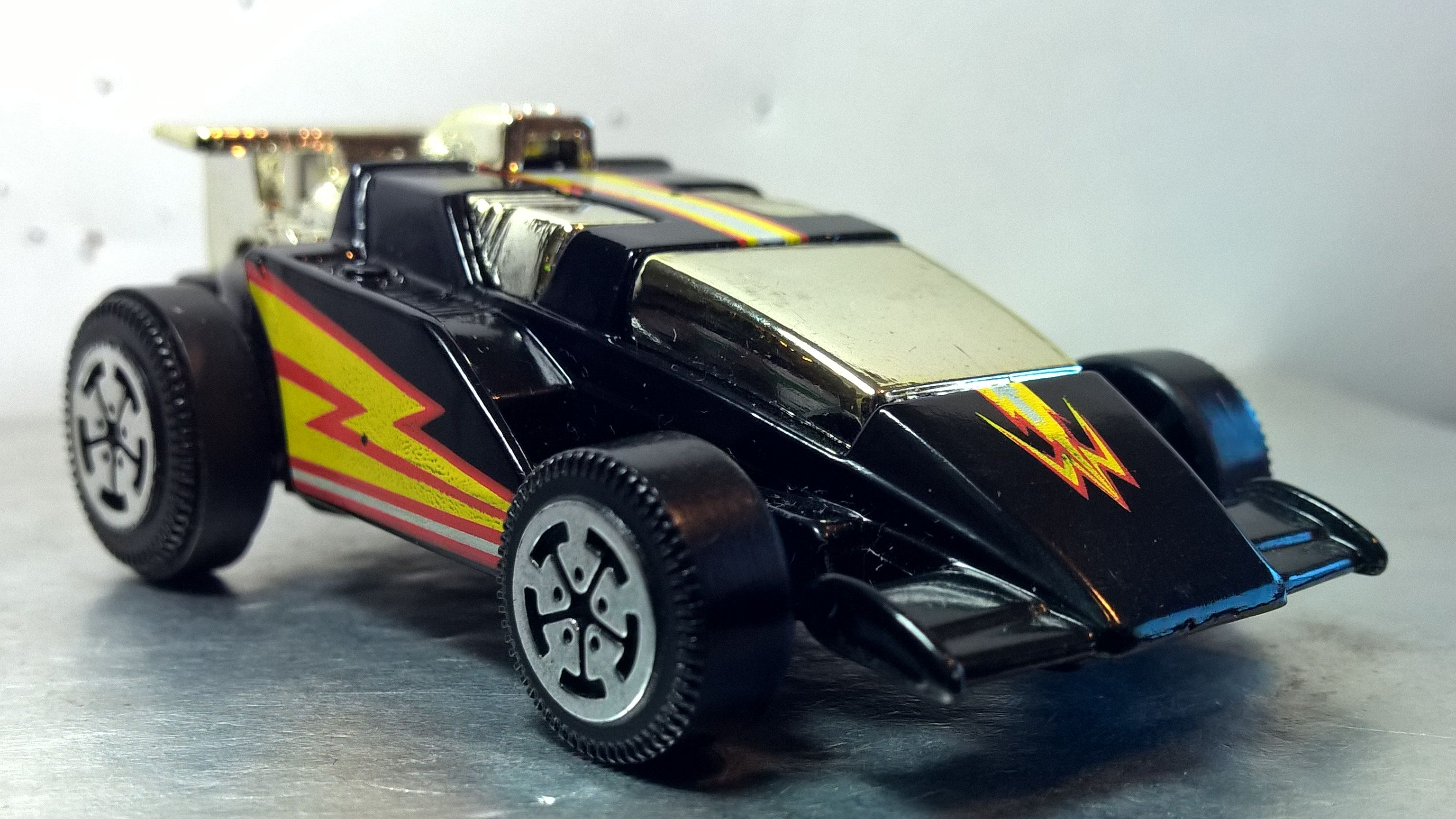 Hot Wheels XV RACERS 1985 17 Hot wheels, Car photos