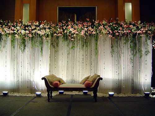 Simple Wedding Stage Decoration With Flowers And Lights Valoblogi Com