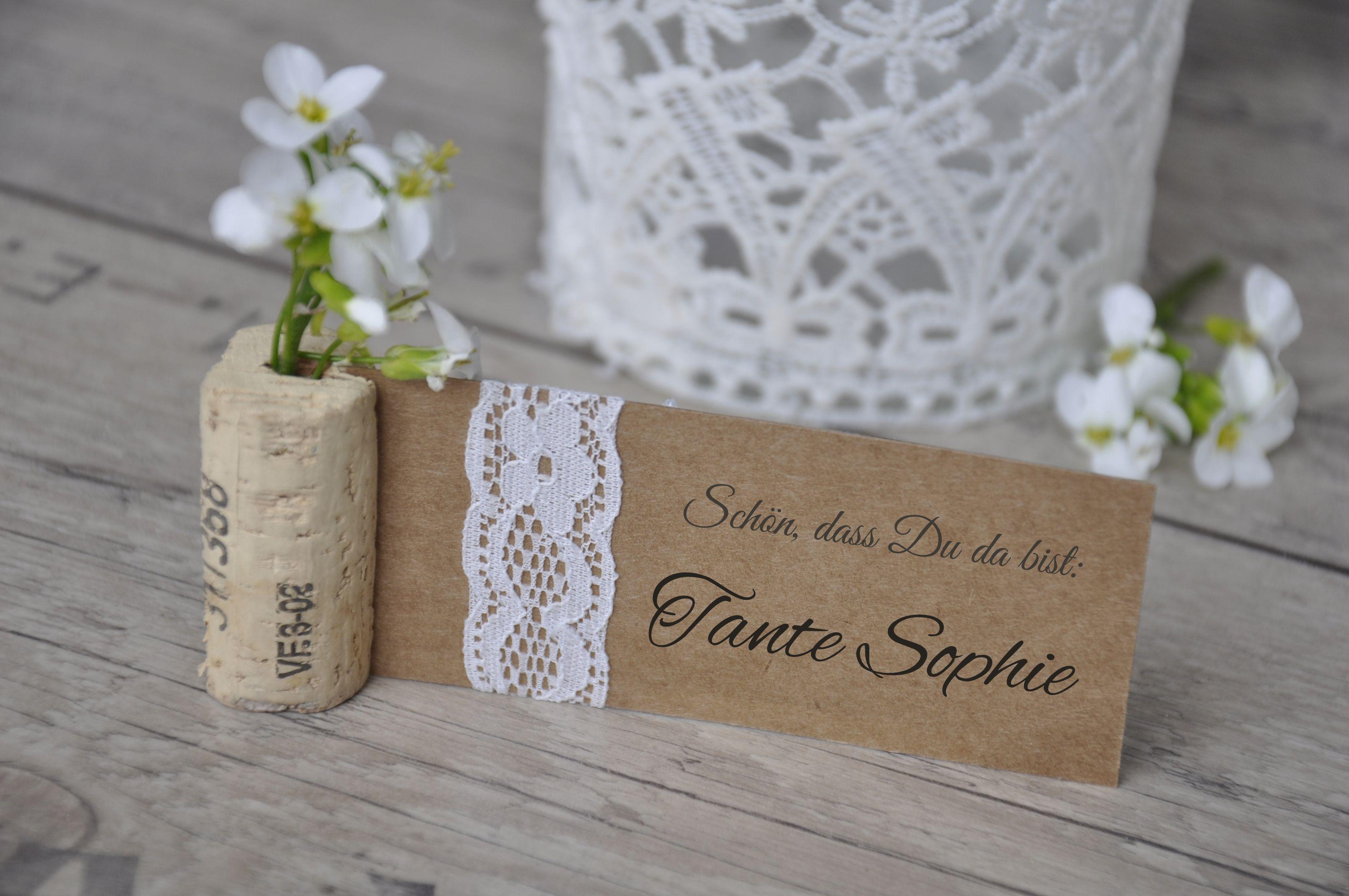 Platzkarte Hochzeit Vintage mit Kraftpapier und Spitze