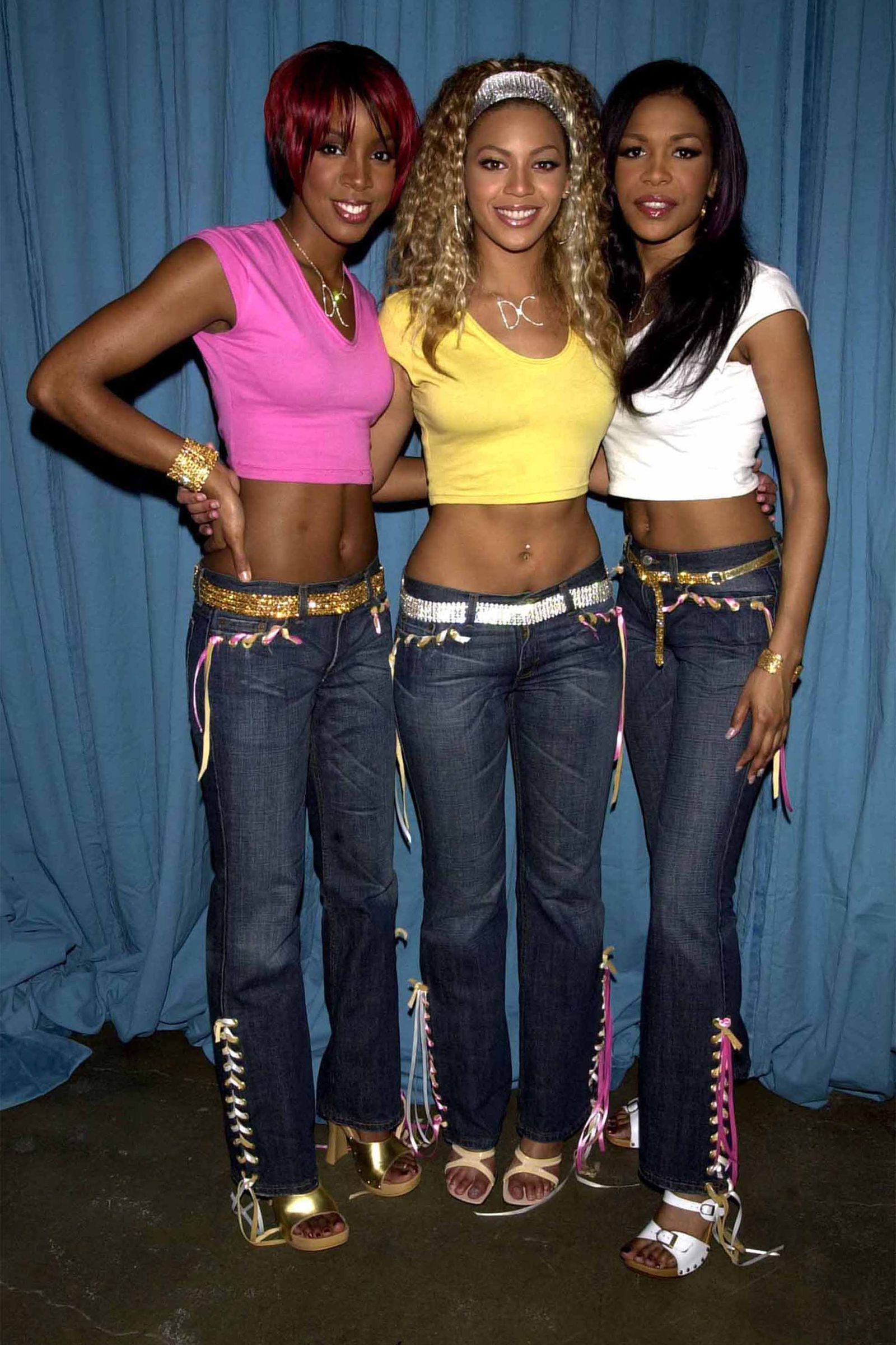 The 50 Craziest Most Cringe Worthy Outfits Celebrities Wore In The Early 2000s 2000s Fashion Outfits 2000s Fashion Trends Early 2000s Fashion