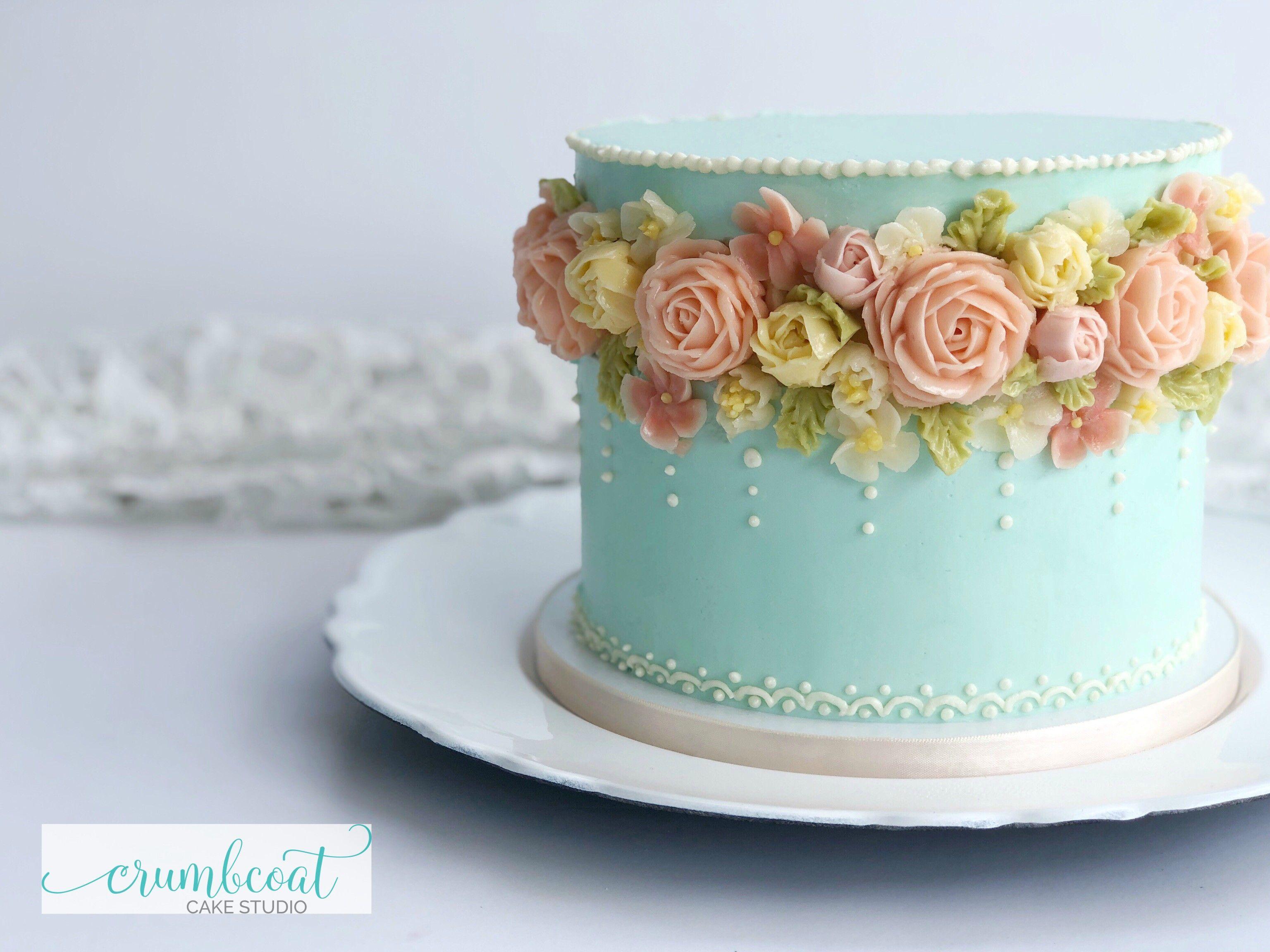 Vintage Blue Buttercream Cake Cake Decorating Designs Buttercream Cake Designs Cake Decorating Frosting
