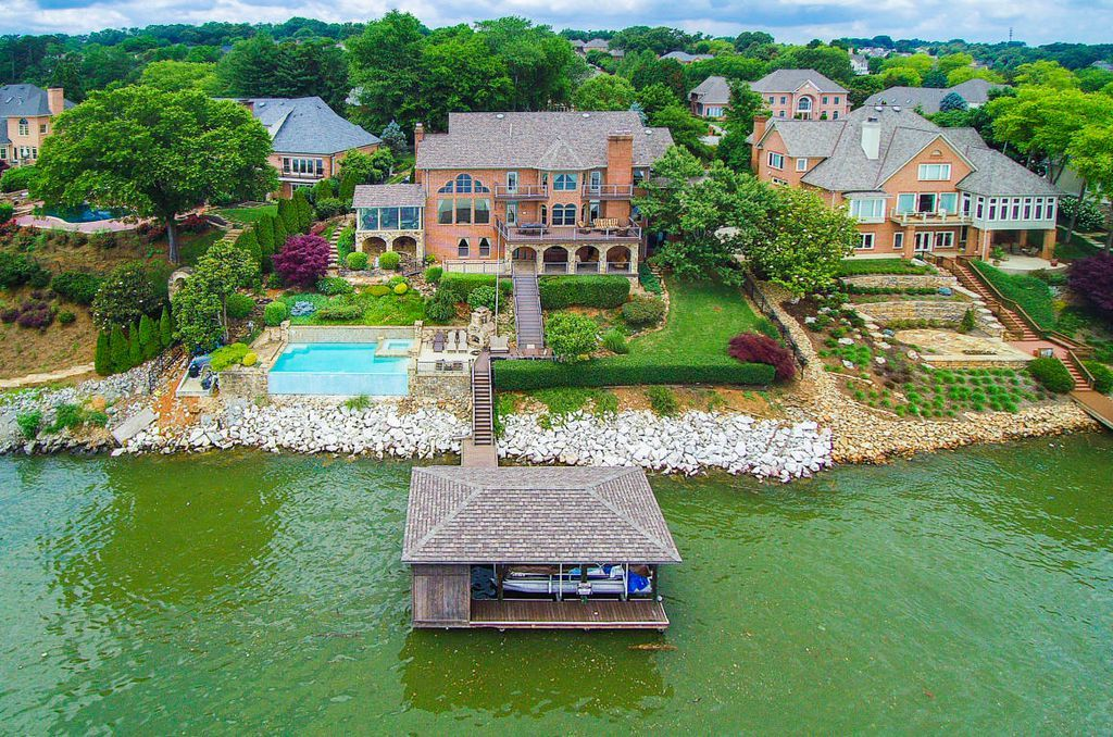 10205 S River Trl Knoxville Tn 37922 Mls 1044274 Zillow Zillow Tennessee Homes For Sale Luxury Homes