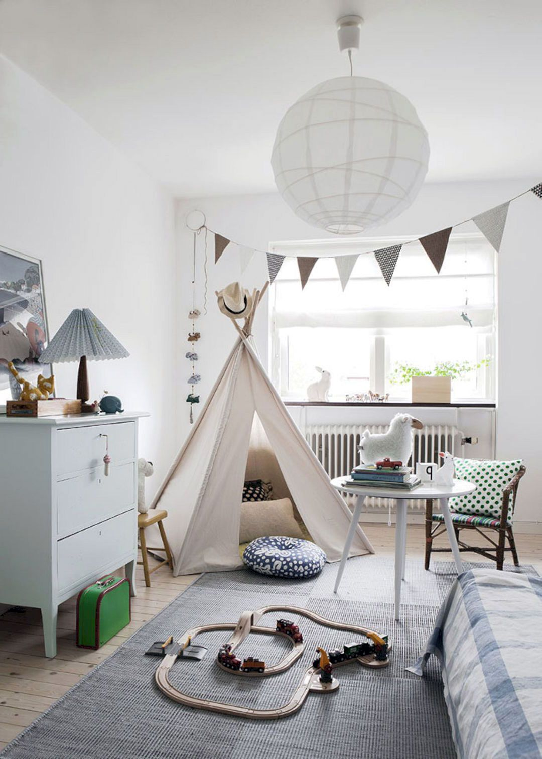 24 Beautiful Scandinavian Interior For Kids Bedroom Ideas In 2020 Scandinavian Kids Rooms Scandinavian Bedroom Decor Boys Room Decor