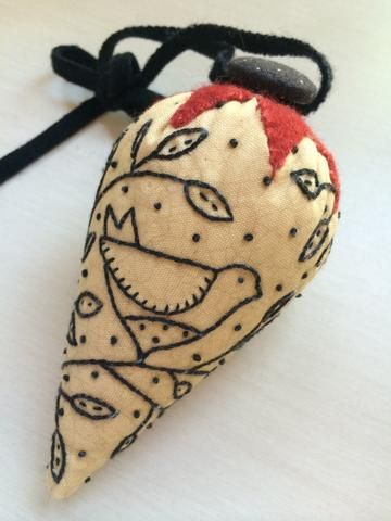 Free Pattern - Bird in Hand Pincushion | Pincushions | Pinterest ...