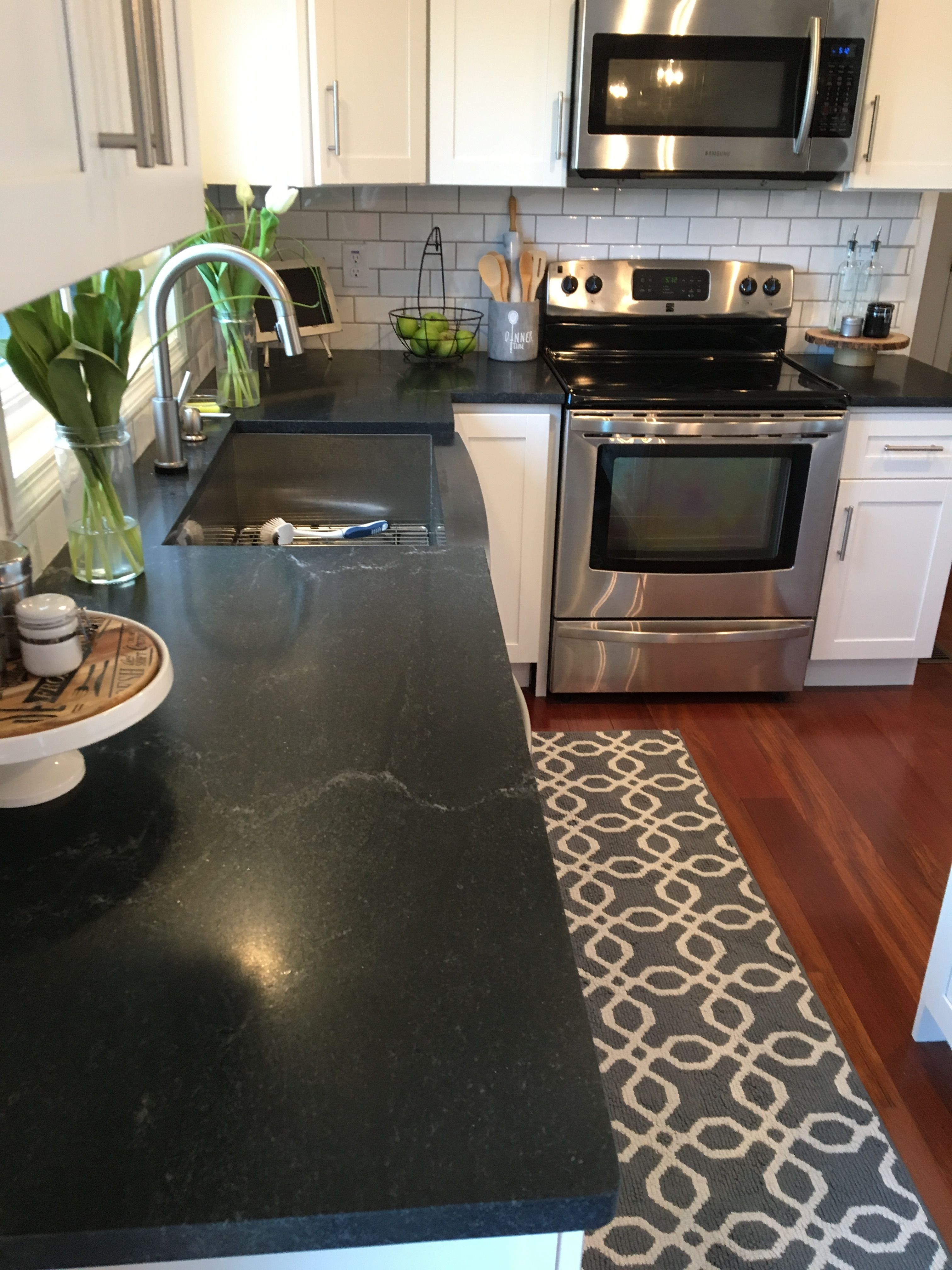Nero Mist Honed Granite | Kitchen/Breakfast Nook | Pinterest