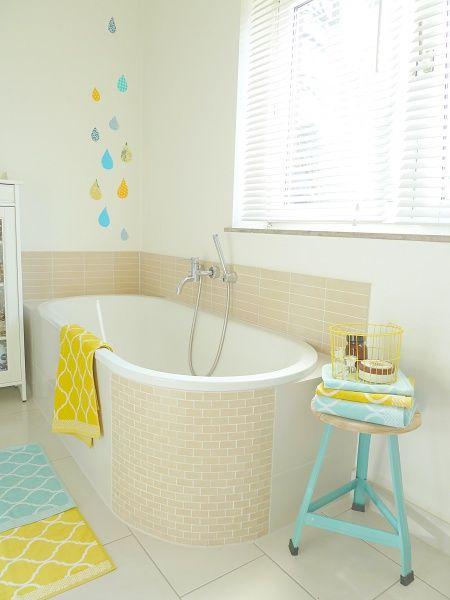 farbhighlights f r 39 s badezimmer die kombination aus beige. Black Bedroom Furniture Sets. Home Design Ideas
