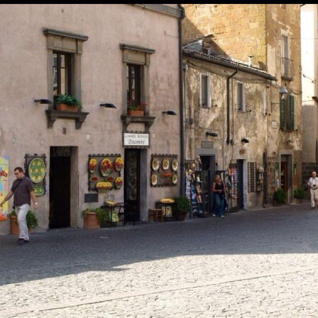 Orvieto Italy ❤ Chiara's pottery shop - beautiful ceramics