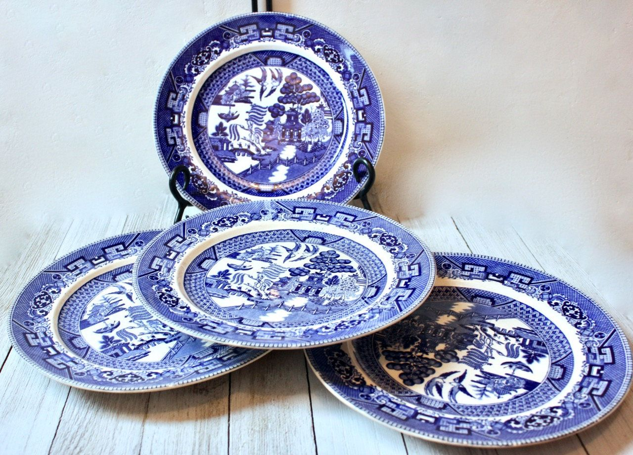 Set Of 4 Buffalo Pottery Blue Willow Luncheon Plates 8 Etsy Blue Willow Pottery Willow Pattern