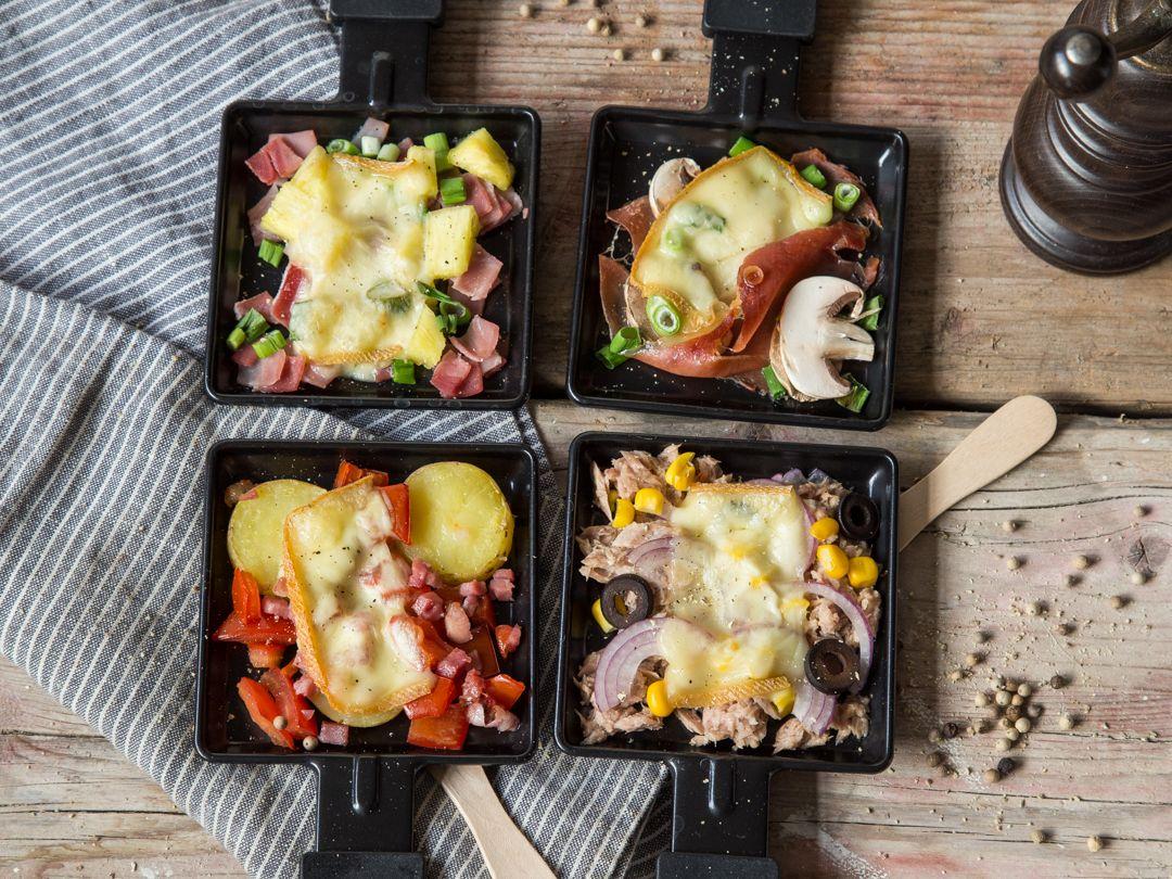 Vier Raclette Pfannchen Klassisch Und Bunt Gemischt Rezepte Essen Raclette Ideen