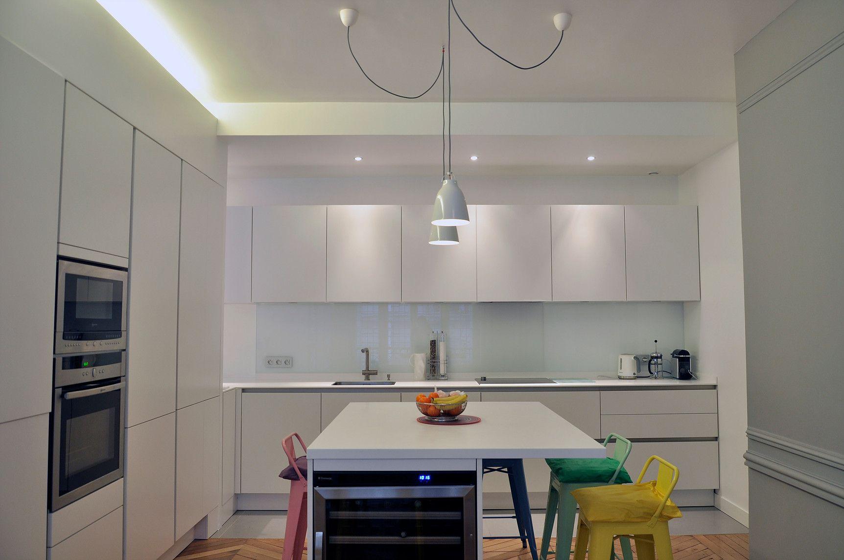R novation appartement paris 16 cuisine ilot gorges for Cuisine futuriste