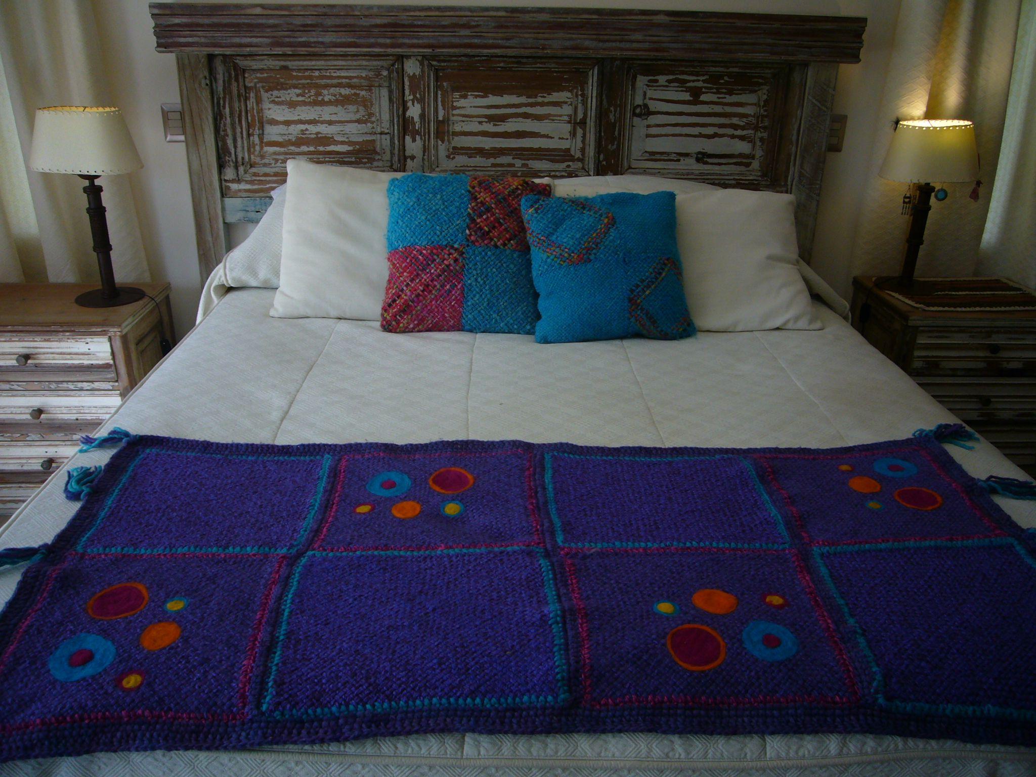 piecera de una plaza 150x68 tejida en telar artesanal ,bordada a ...