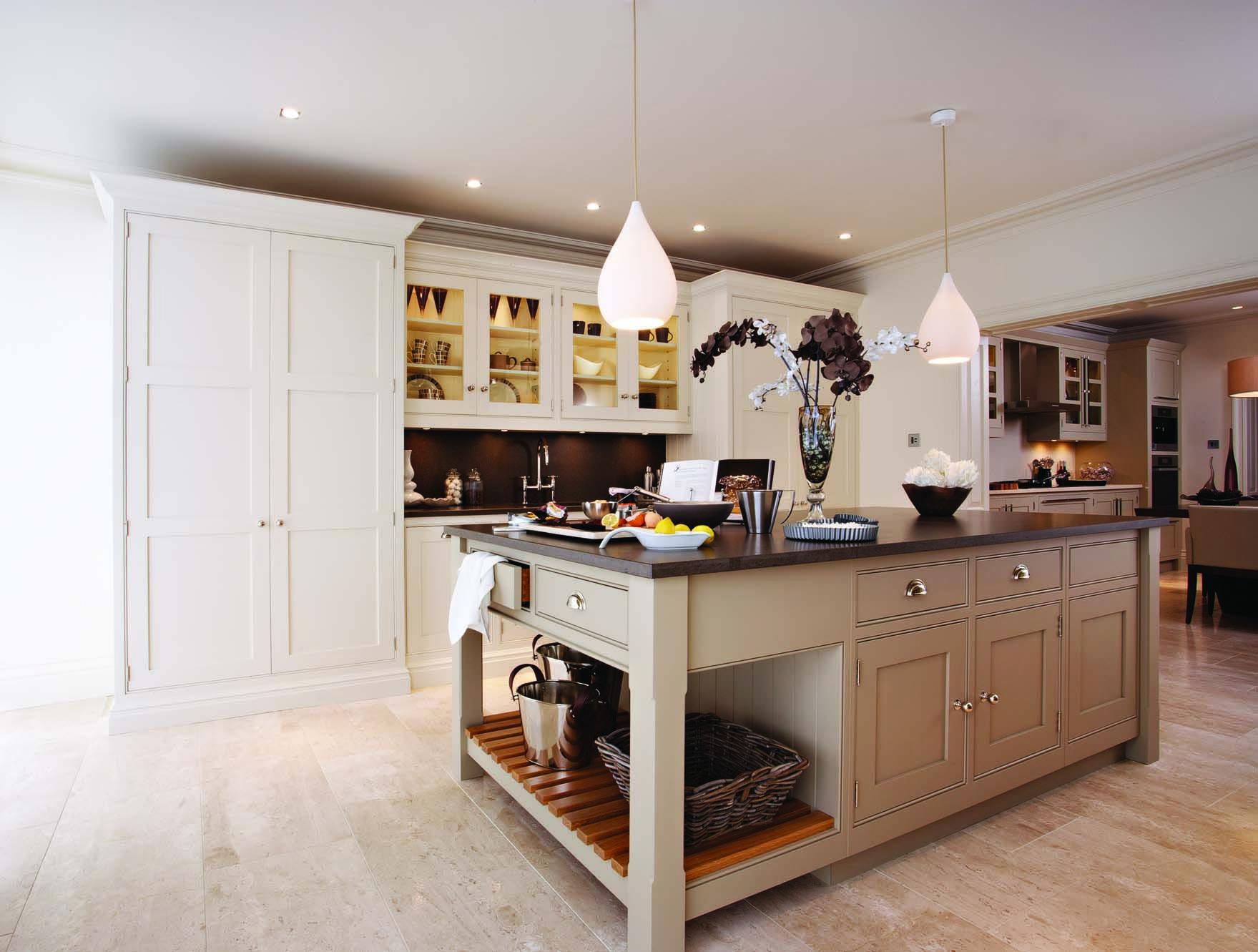 Best Tom Howley Kitchens Strictly Come Dancing Towie 400 x 300