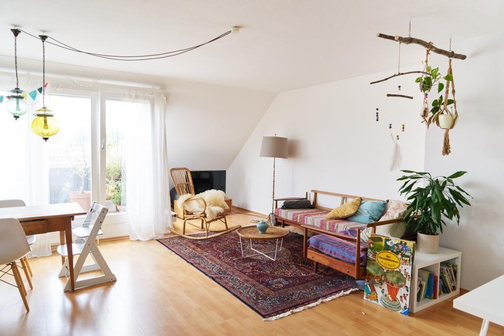 Helles Ess /Wohnzimmer Mit Balkon. #Wohnzimmer #livingroom #Einrichtung  #Teppich