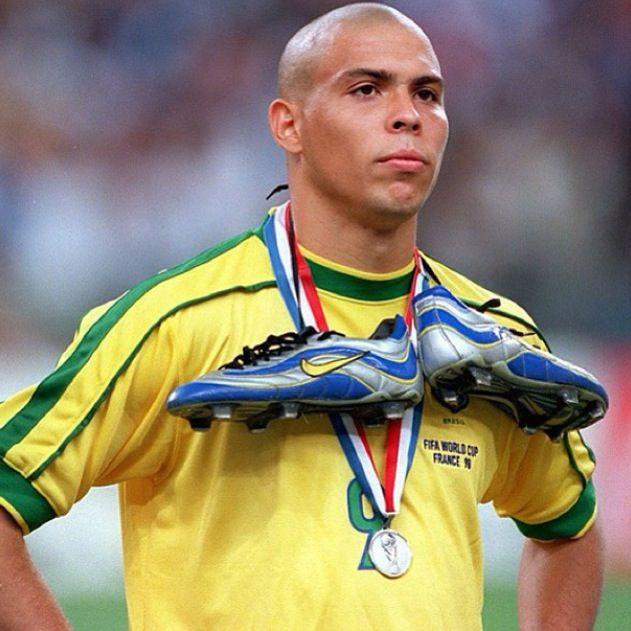 Ronaldo - Cruzeiro, PSV, Barcelona, Internazionale, Real Madrid, AC Milan, Corinthians, Brazil.