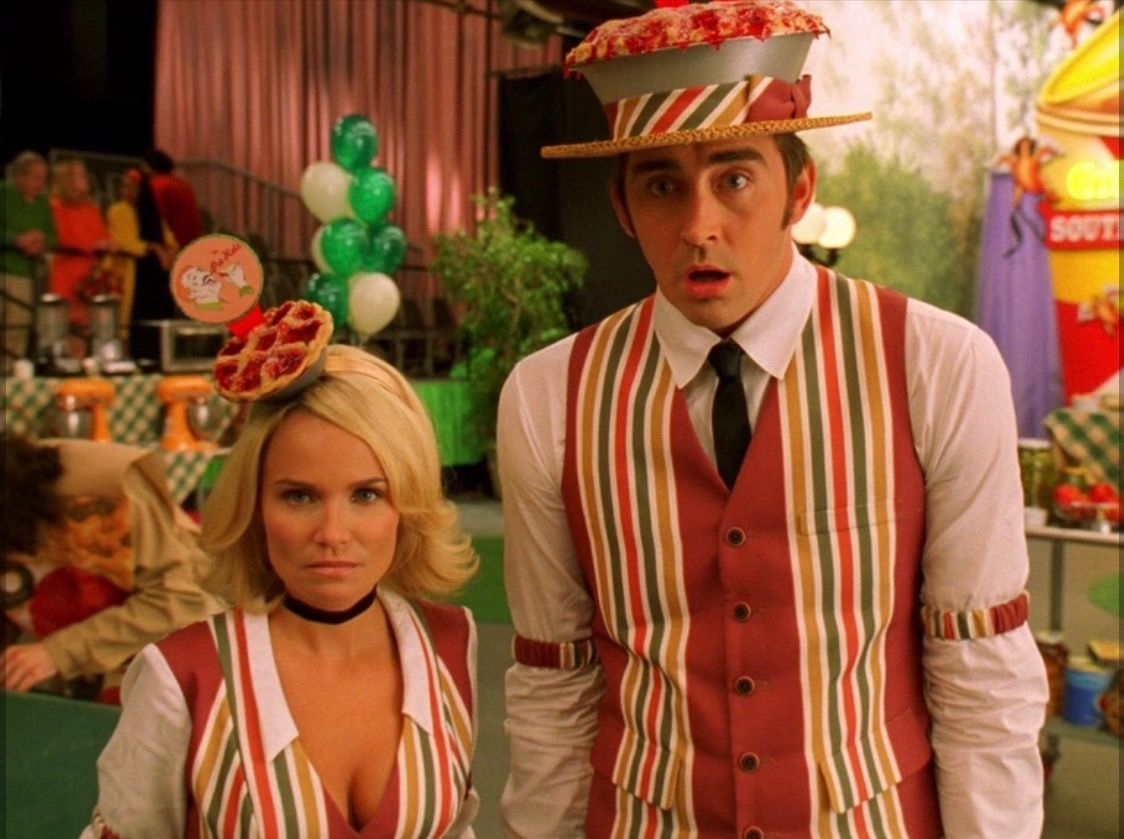 Pictures of girl chuck pushing daisies — pic 11