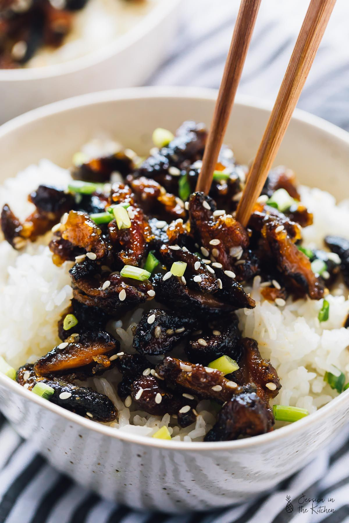 These Sticky Sesame Shiitake Mushrooms Are The Perfect Mix Of Sweet Salty An Clean Eating Vegetarian Recipes Mushroom Recipes Vegan Shiitake Mushrooms Recipes