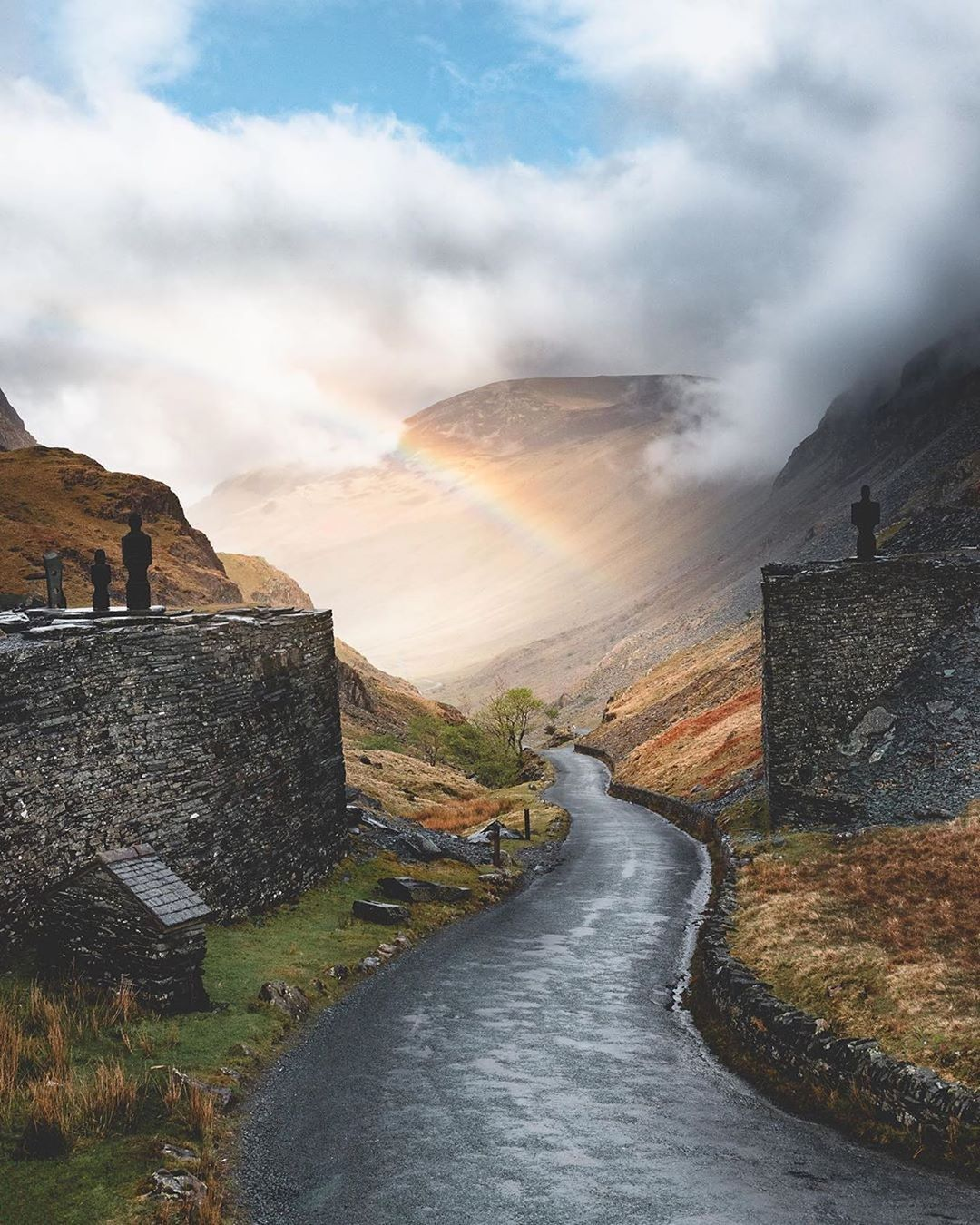 Lake District On Instagram Honister Pass By Jp Pursuits One Of My Absolute Favourite Place Lake District Cool Places To Visit Beautiful Places To Travel
