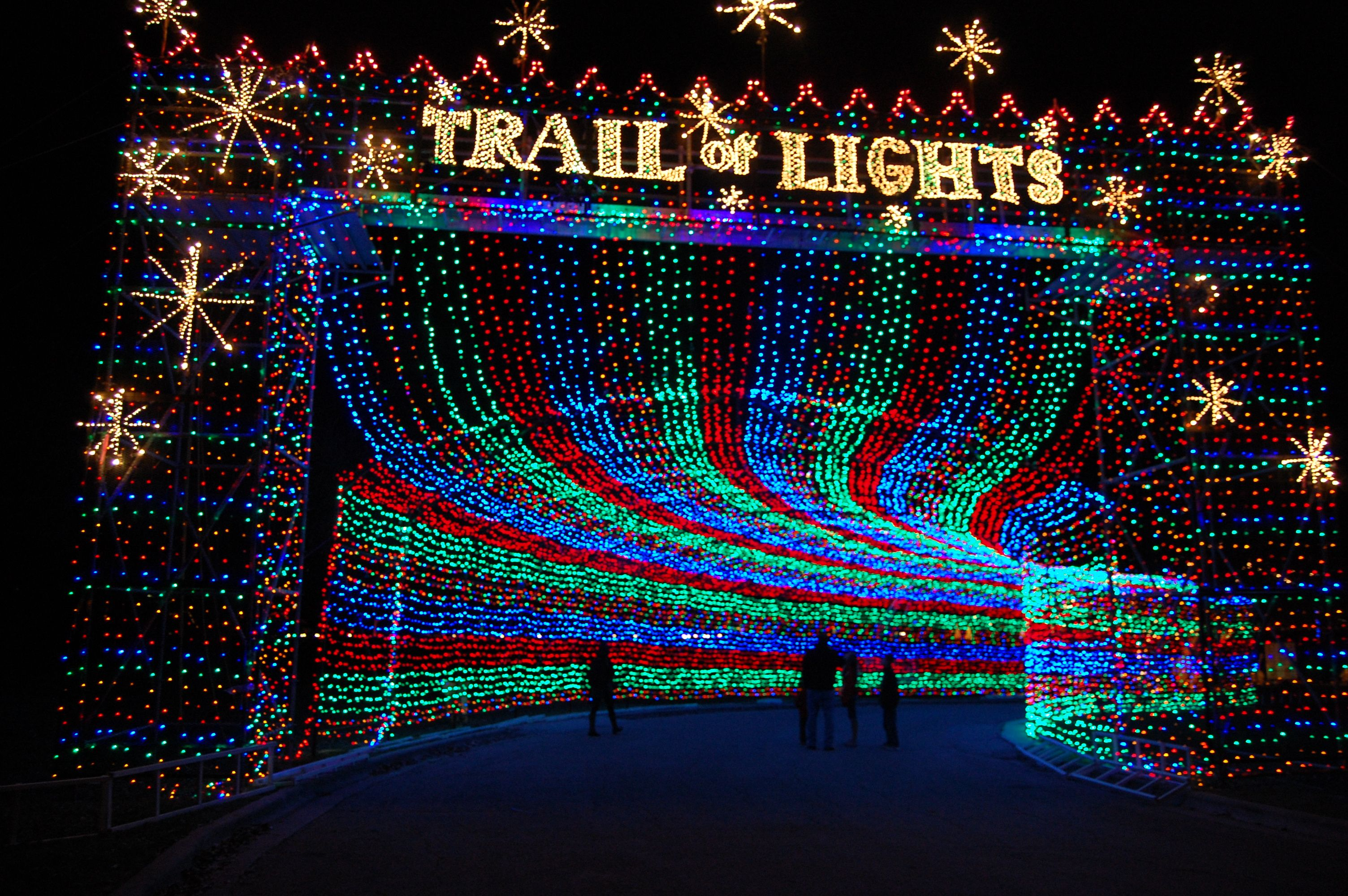 Best Christmas Lights In Texas And The Southwest Travelingmom Light Trails Trail Of Lights Austin Best Christmas Lights