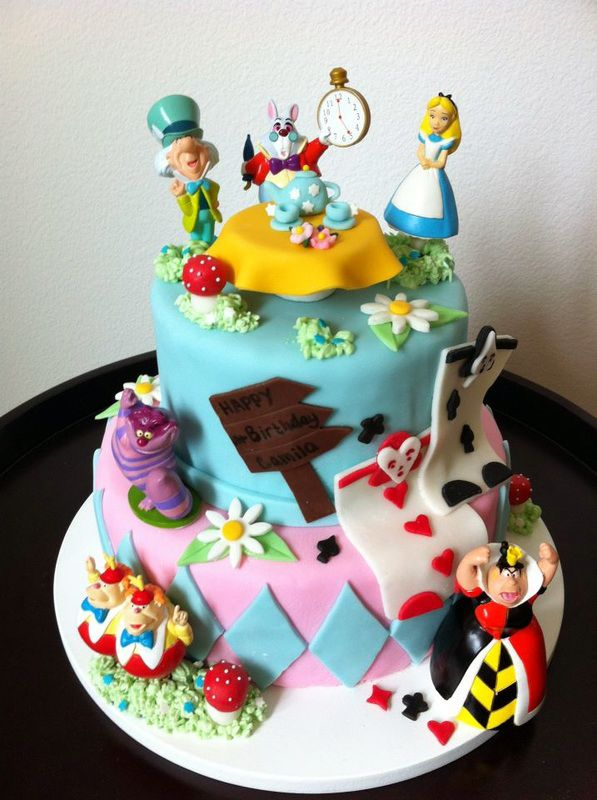 Alice In Wonderland Birthday Cake Design Created By Lisa Peppers